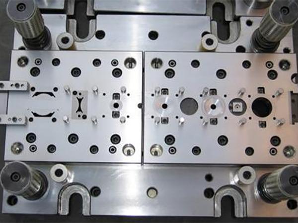 五金冲压模具按工序哪几种?以及分类有哪些?